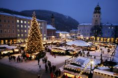 The Christmas Market in Salzburg, mentioned as far back as the 15th century, is located at the foot of the Hohensalzburg fortress and around the venerable Cathedral of Salzburg. #feelaustria