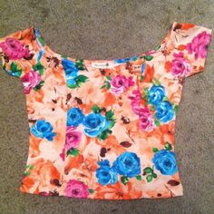 Floral off the shoulder crop top Very cute and perfect for summer with high waisted shorts or a skater skirt misope Tops Crop Tops