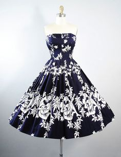 Vintage 50s ALFRED SHAHEEN Dress / 1950s Navy by GeronimoVintage Vintage Dresses 50s, 50s Dresses, Retro Dress, Pretty Dresses, Vintage Outfits, Vintage Fashion, Beautiful Gowns, Beautiful Outfits, Black And White Short Dresses