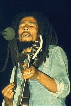 Bob Marley & the Wailers live at Music Hall June 8 1978 during the Kaya Tour. One of my favorite versions of this song, the soft drumming and Al's guitar in . Bob Marley Legend, Reggae Bob Marley, Dancehall Reggae, Reggae Music, Rasta Music, Bob Marley Concrete Jungle, Bob Marley Pictures, Marley Family, Rasta Man