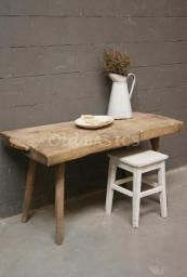 Tafels - Landelijke oude brocante tafels: eettafels salontafels kindertafels bureau's bijzettafels keukentafels en tafels op maat - Old-BASICS - Webwinkel