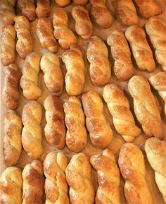 Greek Sweets, Greek Desserts, Greek Recipes, Italian Recipes, Easter Cookie Recipes, Easter Cookies, Chocolate Chip Biscotti Recipe, Greek Cookies, Italian Cookies