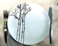 Hand Painted Tree Place Setting - Service of Six Sharpie Projects, Sharpie Crafts, Diy Sharpie Mug, Sharpie Plates, Sharpie Paint Pens, Sharpies, Pottery Painting, Ceramic Painting, Ceramic Art