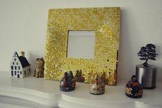 Espejo decorado con mosaicos