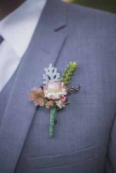 succulent boutonniere for groom #groom #boutonniere #weddingchicks http://www.weddingchicks.com/2014/02/26/fun-and-feisty-forest-wedding/