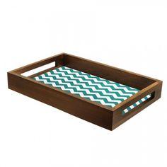http://www.tranqueirachic.com.br/mesa-e-cozinha/bandeja-chevron-azul