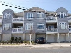 Great Wildwood Beach House Two Blocks to Beach and Board Walk!