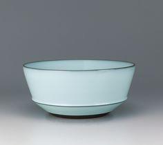 Nakano deep bowl with moon white glaze. FUKUSHIMA Zenzo