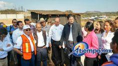 """El alcalde Alfonso Martínez encabezó la mañana de este martes, la supervisión de construcción de aulas y sanitarios en el CECyTEM """"CEMSAD 12 Cuto de la Esperanza"""", que beneficiará a ..."""