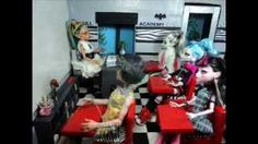 Ginger Lola - making a Monster High classroom.