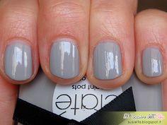 Il Taccuino dell'Elfa: Very Colourfoil Manicure Wonderland Ciaté