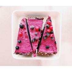 Valmiista Food Articles, Breakfast Snacks, Seasonal Food, Raw Vegan, Design Crafts, Food Pictures, Cool Kitchens, Sugar Free, Watermelon