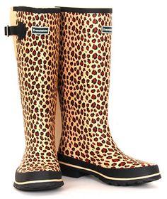 Leopard Print Wellies for those rainy days, omfg want want want Leopard Fashion, Animal Print Fashion, Fashion Prints, Animal Prints, Crazy Shoes, Me Too Shoes, Wellington Boot, Cheetah Print, Leopard Prints
