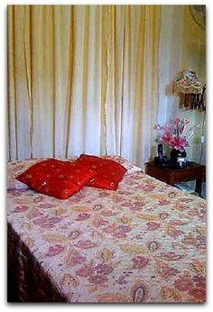 Detalle de una de las habitaciones. Cuba, Curtains, Home Decor, Apartments, Blinds, Decoration Home, Room Decor, Draping, Home Interior Design