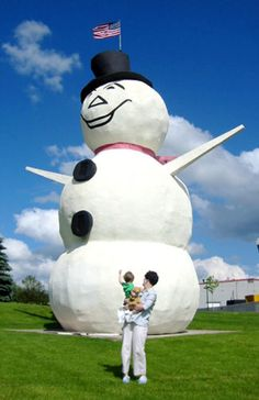 This 44-foot tall stucco snowman stands in North Saint Paul, MN. and was created ( in 1972-74) by former resident Lloyd Koesling as a gift to the city and was adopted as the official city logo .