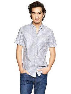 Men's Lightweight plaid modern Oxford shirt from Gap.