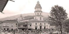 Atrio catedral nuestra señora de las mercedes 1965 — en municipio de caldas antioquia. - Publicada por Luis Maria Usma