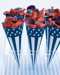 Stars and Stripes Clip-Art Paper Cones Filled with a mix of beet and blue-potato chips, these easy-to-make containers are worth cheering for. Print the Red Cones Print the Blue Cones How to Make the Stars and Stripes Paper Cones Fourth Of July Food, 4th Of July Celebration, 4th Of July Party, July 4th, Memorial Day, Martha Stewart Crafts, Paper Cones, Bubble, 4th Of July Decorations