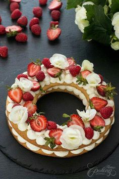 Either known as Cream Tart, Number Cake or Alphabet Cake this dessert is simply impressive. Very easy to prepare and looks quite astonishing. Cookie layers f. Food Cakes, Cupcake Cakes, Cookie Cakes, Tart Recipes, Dessert Recipes, Alphabet Cake, Buttery Cookies, Number Cakes, Cake Decorating