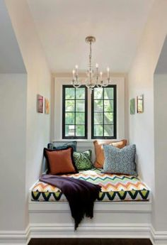 Trendy Window Nook Design Ideas To Get Cozy Space In Your House - Home Design Ideas Cozy Nook, Bed Nook, Cozy Corner, Piece A Vivre, Decor Room, My New Room, Small Spaces, Sweet Home, New Homes
