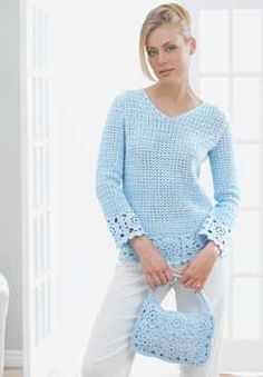 Granny square crochet patterns are such fun to do and look fantastic when assembled. Use these free crochet patterns from Patons to create a granny square tunic with matching purse.