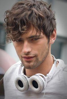 Sean Opry, Men's Wavy Hair.