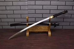 Katana,Nihontou,Medium carbon steel,Wood scabbard,Alloy fitting,Full tang,Length 39 inch