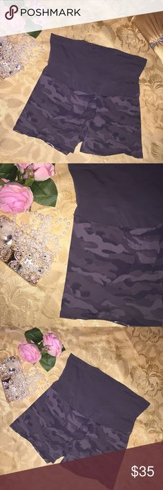 🌹 SPANX 🌹 Camo Short Shaper SPANX Camo Shorts Shaper   🌹 Size: Large 🌹Color: Gray/Green Camo 🌹Condition: Pre-owned; Used once and in excellent condition!  🌹CHECK OUT MY OTHER LISTINGS FOR GREAT FINDS! 🌹 SPANX Intimates & Sleepwear Shapewear