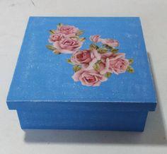 Caixa azul com patina