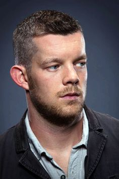 Photographer Christopher Turner has shared some handsome images he captured of actor Russell Tovey. Actors Male, Handsome Actors, Tv Actors, Looking Hbo, Good Looking Men, Beautiful Men Faces, Beautiful Boys, Pretty Boys, Beautiful People