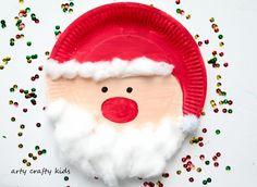 Arty Crafty Kids - Seasonal - Easy Chrsitmas Craft - Paper Plate Santa crafts for kids for teens to make ideas crafts crafts Handmade Christmas Crafts, Santa Crafts, Christmas Crafts For Kids To Make, Christmas Tree Crafts, Holiday Crafts, Homemade Christmas, Santa Christmas, Christmas Decorations, Homemade Decorations
