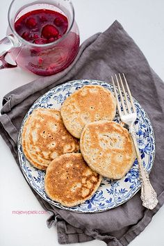 Oat Pancakes with Raspberries and Honey Polish Recipes, Polish Food, Oat Pancakes, Crepes, Bon Appetit, Healthy Recipes, Healthy Food, Raspberry, Good Food