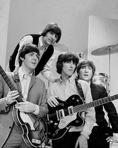 """The Beatles are a famous English band that originated in Liverpool, England. They became """"The Beatles"""" in 1960 and consisted of four very talented and incredibly influential musicians; John Lennon, Paul McCartney, George Harrison, and Ringo Starr. Ringo Starr, George Harrison, Paul Mccartney, John Lennon, Beatles Love, Beatles Photos, Beatles Guitar, Beatles Books, Beatles Gifts"""