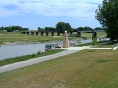 Grand Forks, ND : Grand Forks, North Dakota: The Greenway and the memorial flood marker