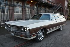 1972 Chrysler Town & Country Station Wagon