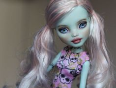 """Rose"" a Frankie Stein Monster High Repaint #Dolls"