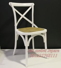 Jual kursi cafe murah cat duco putih kayu jati jepara, kursi cafe model terbaru yang simpel dan unik dengan kode produk JMJ-007 produk furniture kursi cafe