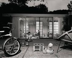 ARTIST: Julius Shulman  TITLE: Skinner House, Beverly Hills, CA  (Robert Skinner, architect) 1959