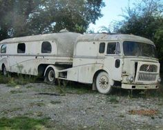 Looks like a good fixer upper! I'd love to own it!!