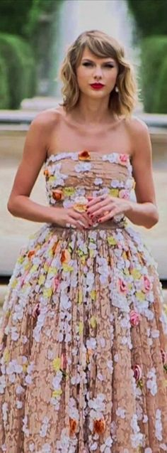 taylor swift's outfits in blank space - Google Search