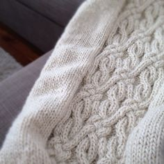 — cottonandcloud: A new project. #knit #knitting...by Red Lily via zlaika.tumblr.com
