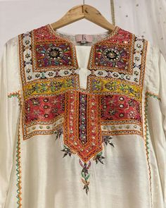 Silk Kurti Designs, Kurta Designs Women, Fancy Dress Design, Stylish Dress Designs, Girls Dresses Sewing, Kurti Embroidery Design, Sleeves Designs For Dresses, Pakistani Dress Design, Embroidered Clothes