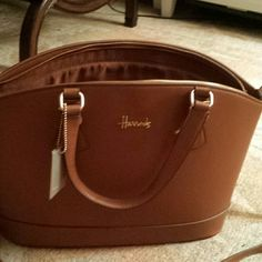 Brand new Harrods bag and wallet Zip bag with both long strap and arm handle option with matching wallet harrods Bags