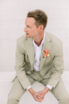 With Los Angeles in the background, this sunny and vibrant wedding at The London Hotel West Hollywood is the perfect summer wedding inspiration Hotel Wedding Inspiration, Summer Wedding, Wedding Day, Summer Fresh, London Hotels, West Hollywood, Wedding Colors, Suit Jacket, Vibrant