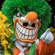 Auch dieser Basler «Waggis» hat eine ambivalente Ausstrahlung: halb Clown, halb grober Trampel. (Bild: Keystone) Basel, Clowns, Horror, Halloween, Carnival, Festivals, Europe, Fictional Characters, Big