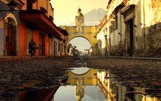 Santa Catalina Arch - Arco de Santa Catalina in Antigua, Guatemala