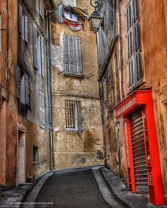 """France. Tatewright Photography (@tatewright_photography) on Instagram: """"#provence #streetlife #frenchtown #"""""""