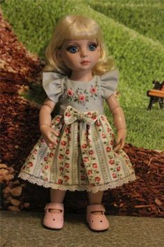 Roses-are-Blue-for-Patsy-Tonner-or-Ann-Estelle-other-10-dolls-by-Alisewn