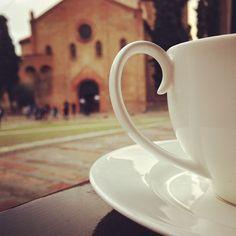 Colazione con vista in Piazza Santo Stefano, Bologna - Instagram by yuripoietikos
