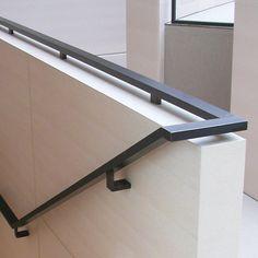 Handlauf - Geländer - Breidenbach Metallbau Exterior Handrail, Interior Stair Railing, Balcony Railing Design, Staircase Handrail, House Staircase, Staircase Remodel, Staircase Design, Villa Del Carbon, Stairs Handle